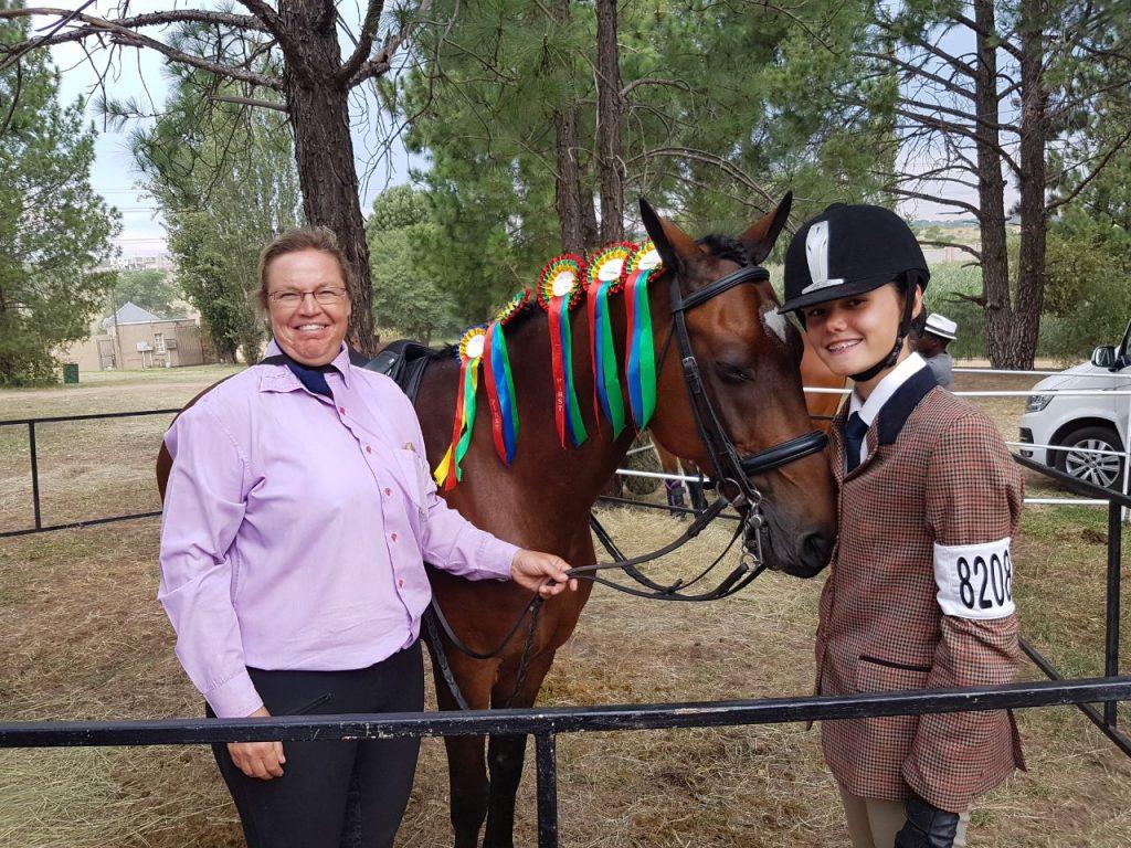 Anel Pelser and her student after SANESA Qualifier 2